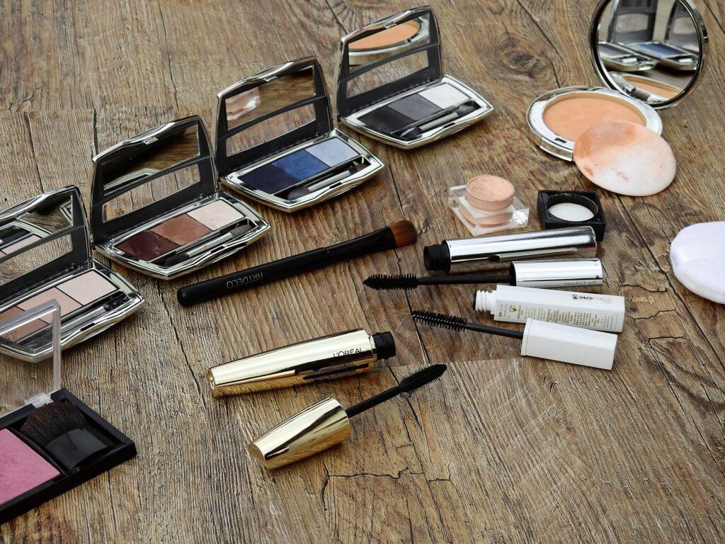 makeup-applications