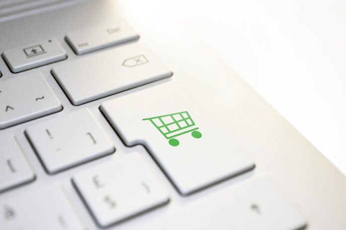7 Go-To Online Shopping Websites For Clothes